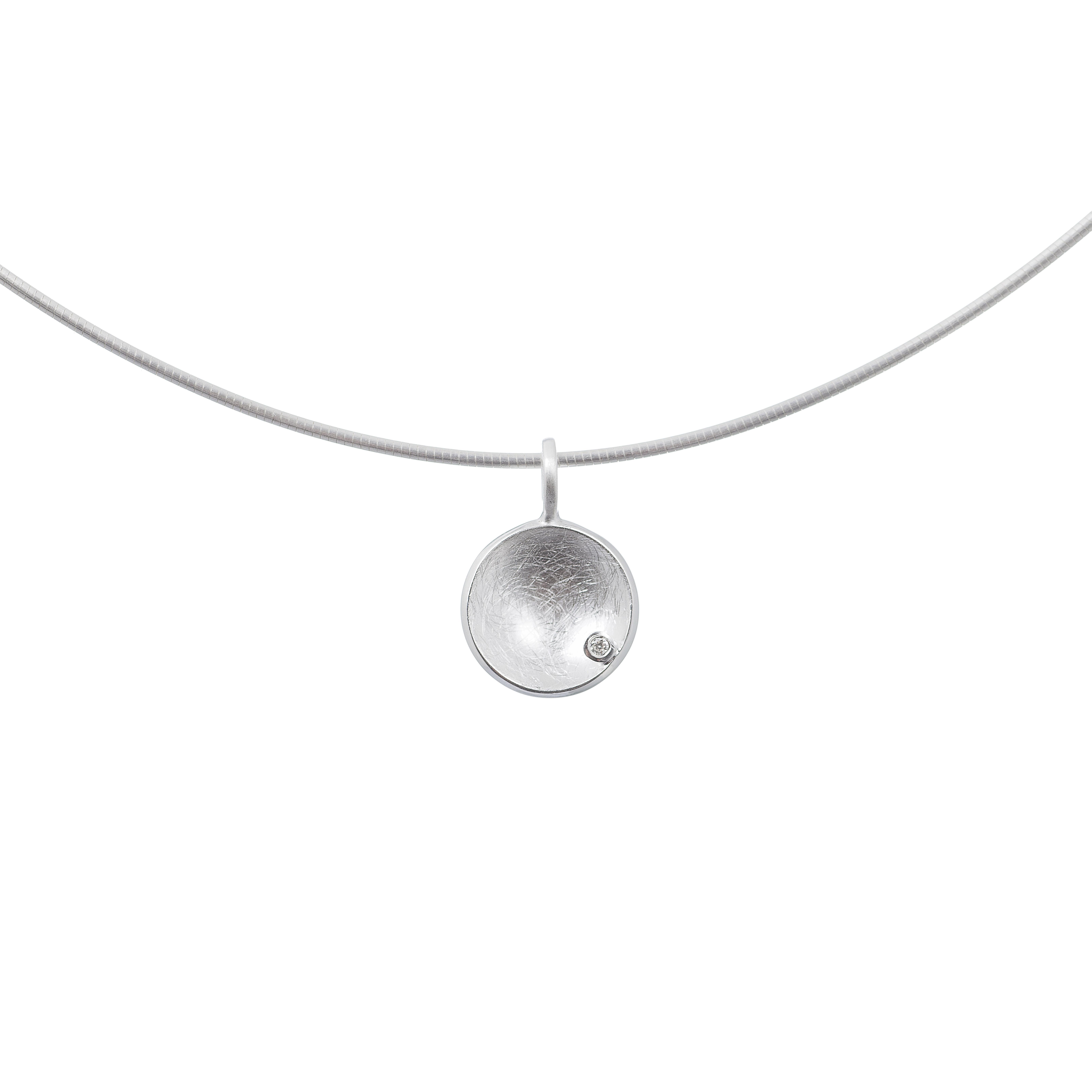 Tezer Diamond Circular Pendant