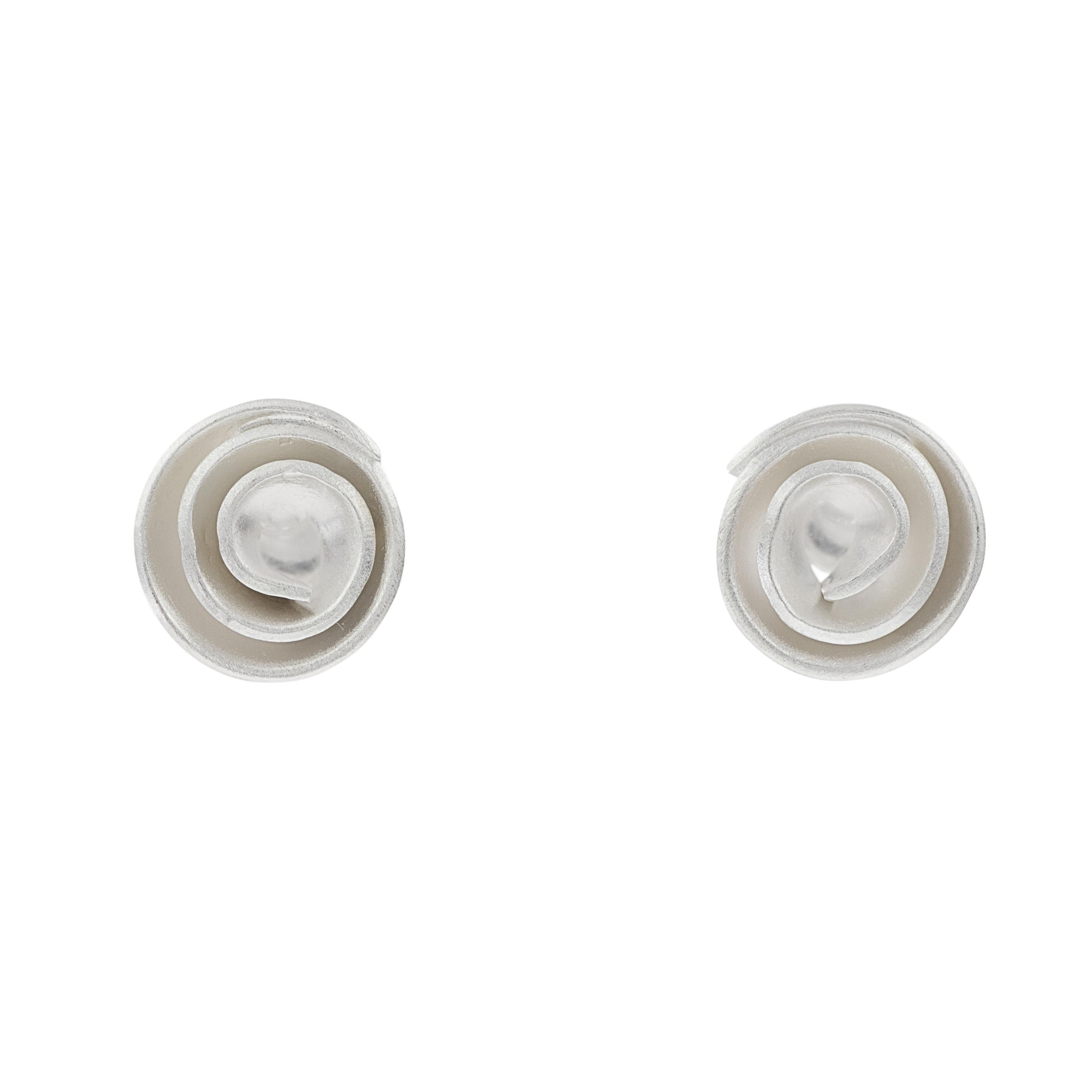 Tezer Small Swirl Earrings