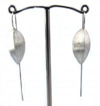 Lindenau Medium Sized Chunky Silver Seed Pod Earring
