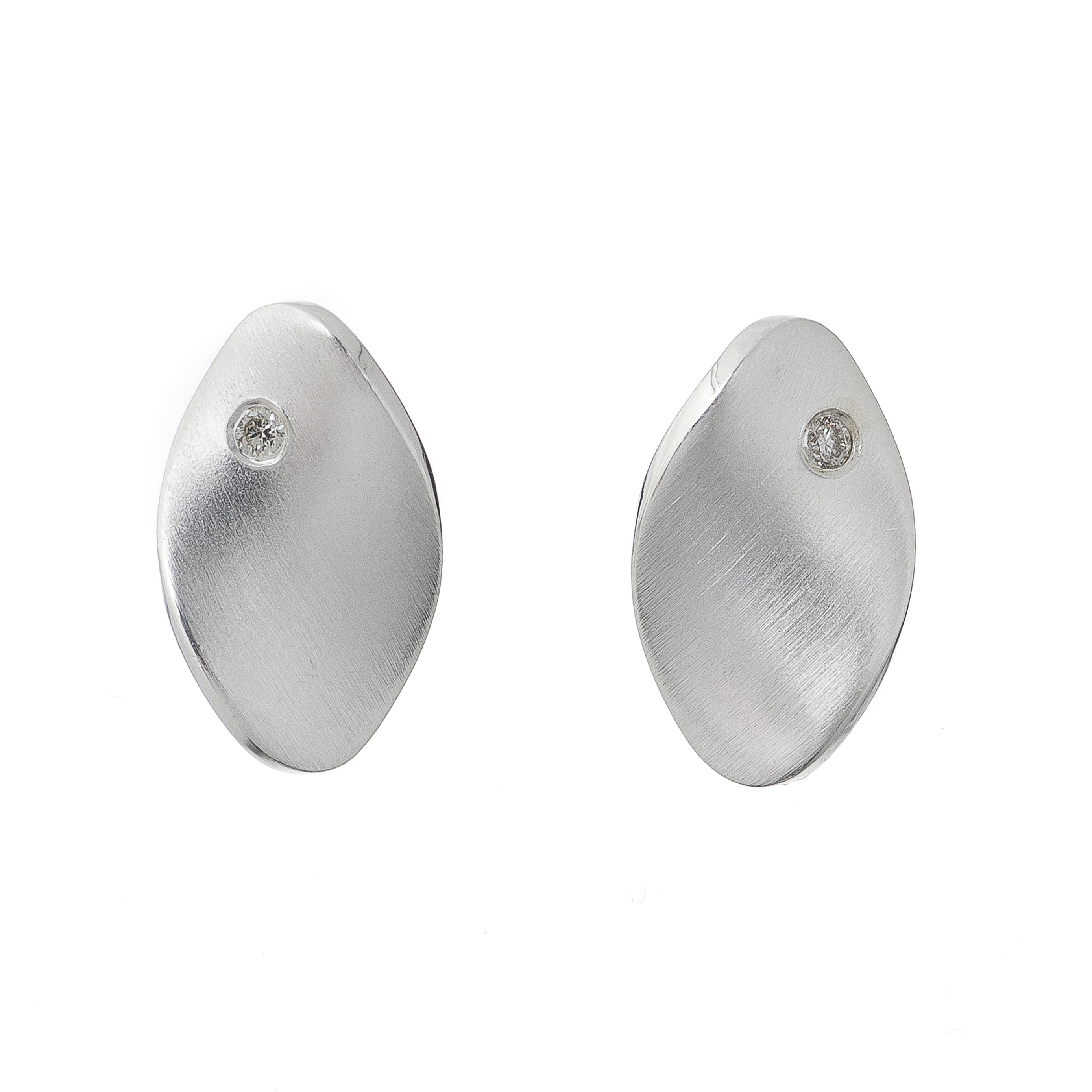 Tezer Diamond Twisted Oval Earring