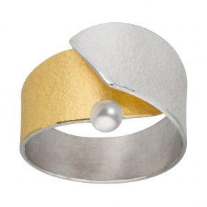 Manu Pearl Fold Ring