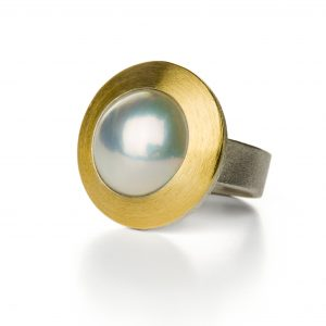 Manu Pearl Orb Ring