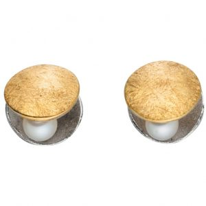 Manu Clamshell Stud Earrings